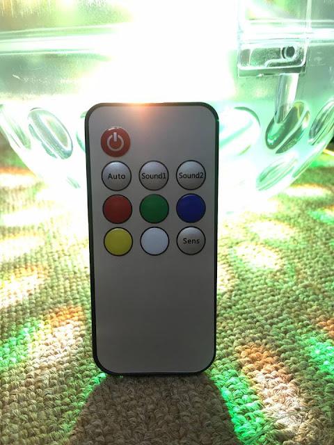 Các tính năng của Đèn Trái Châu đều được điều khiển từ xa dể dàng qua remote.