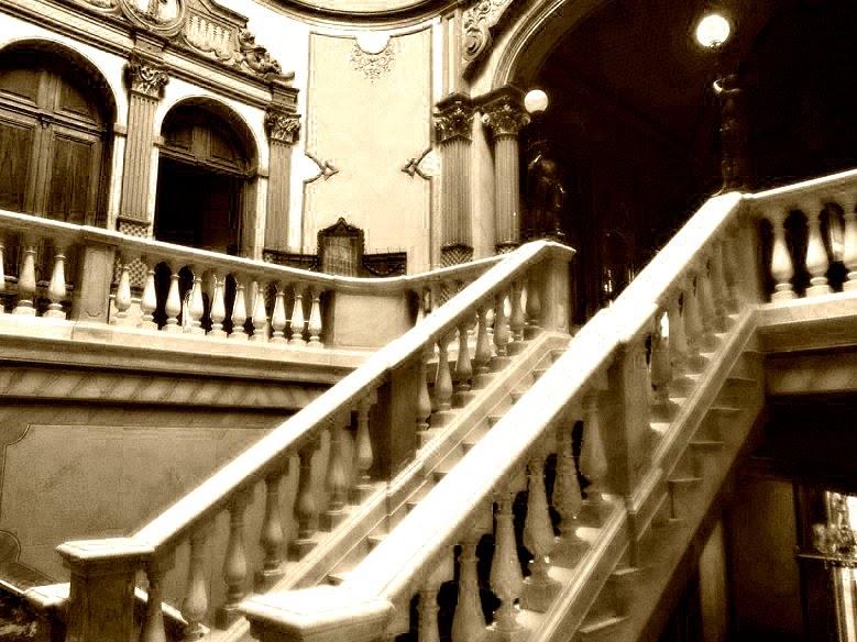 Escadarias em mármore de Carrara, no Museu Histórico de Santa Catarina, Florianópolis