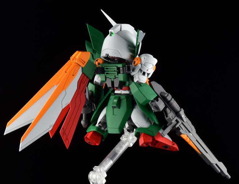 Custom Build: SD x HG Wing Gundam Fenice