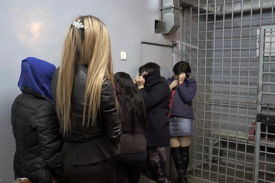 Задерживают проституток снять проститутку в Тюмени ул Сказочная