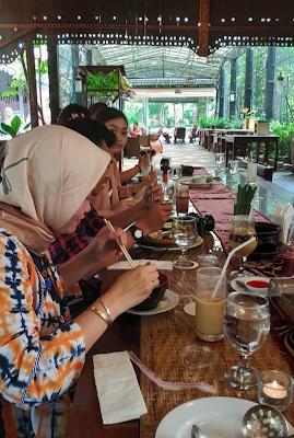 Blogger Semarang di Melva Balemong Ungaran