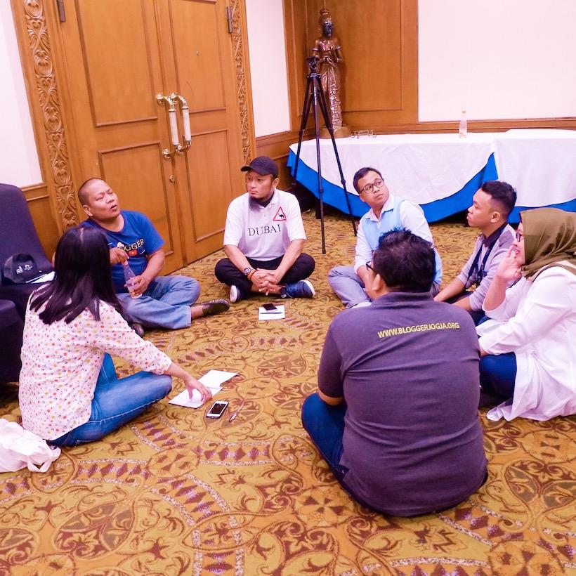 Hadiri Acara Deklarasi Netizen 2018 di Gedung MPR, Kenapa Tidak? Yanikmatilah Saja