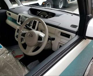 ムーヴキャンバス コンテ後継車 車内室内画像