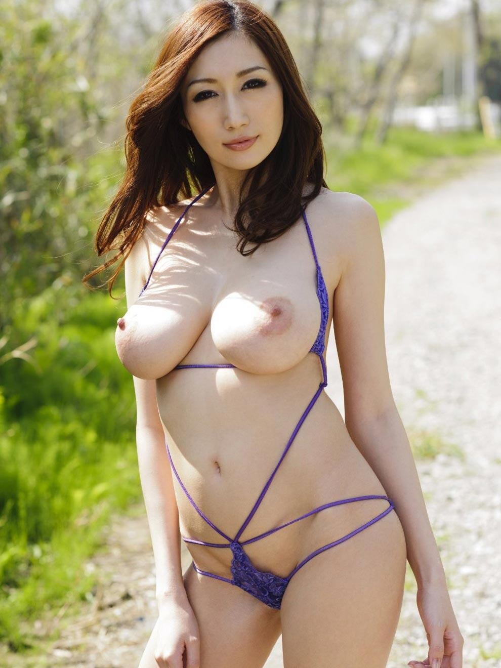 Naked babes asia travelo — pic 1
