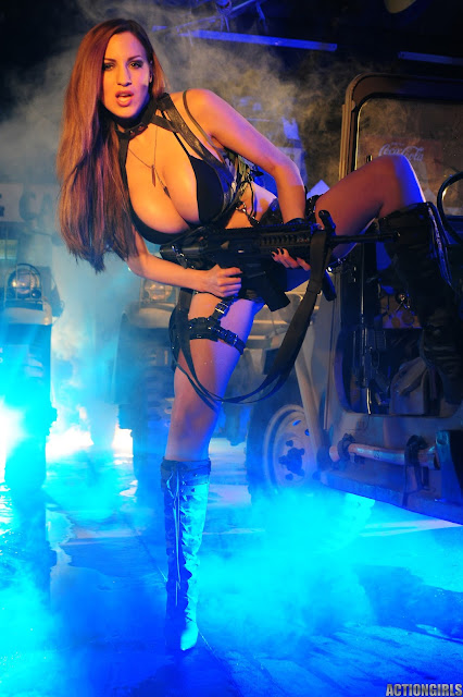Jordan-Carver-Action-Girl-Photoshoot-Hot-and-Sexy-Pic-20