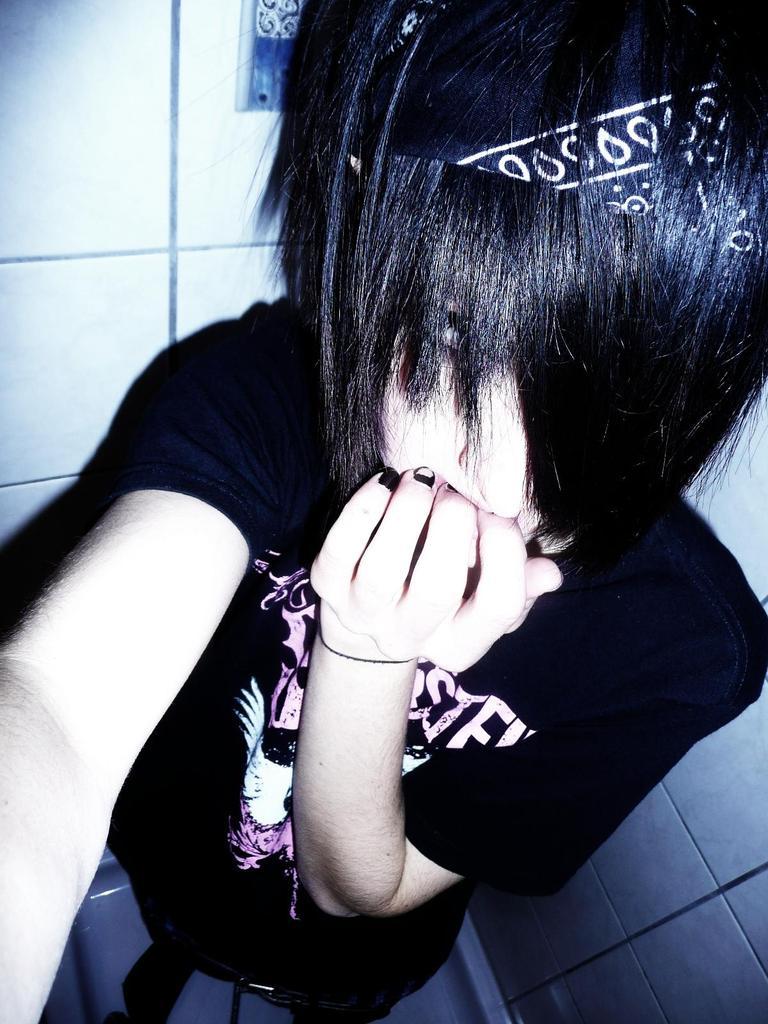 Emo Hair | Emo Hairstyles | Emo Haircuts: emo people