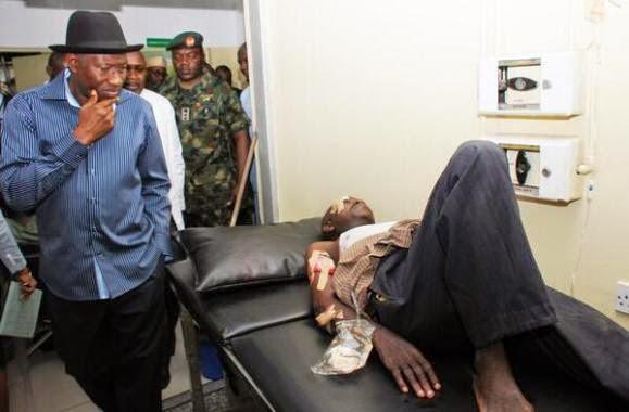 6 Pics from Pres. Jonathans visit to bomb victims at Asokoro Hospital