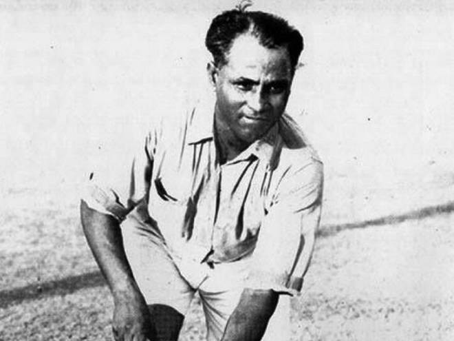 pm-narendra-modi-pays-tribute-to-dhyan-chand-on-national-day