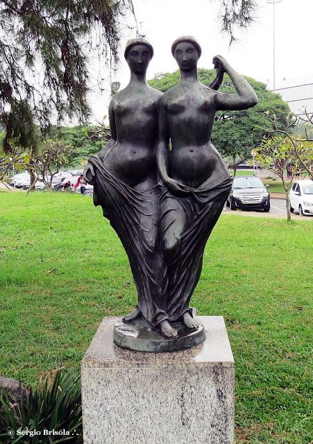 Close-up da Escultura As Irmãs - Parque Ibirapuera - São Paulo
