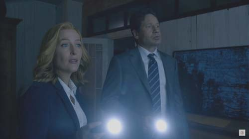Gillian Anderson, David Duchovny in The X-Files Mini-series Episode 2