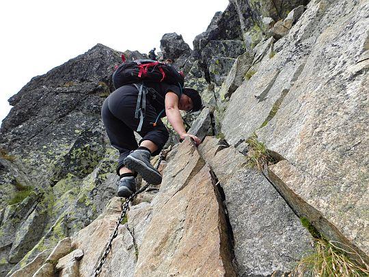 Poniżej komina - ciąg dalszy zejścia na Kozią Przełęcz Wyżnią.