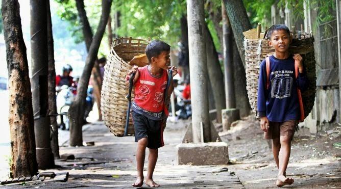 Hasil gambar untuk kemiskinan