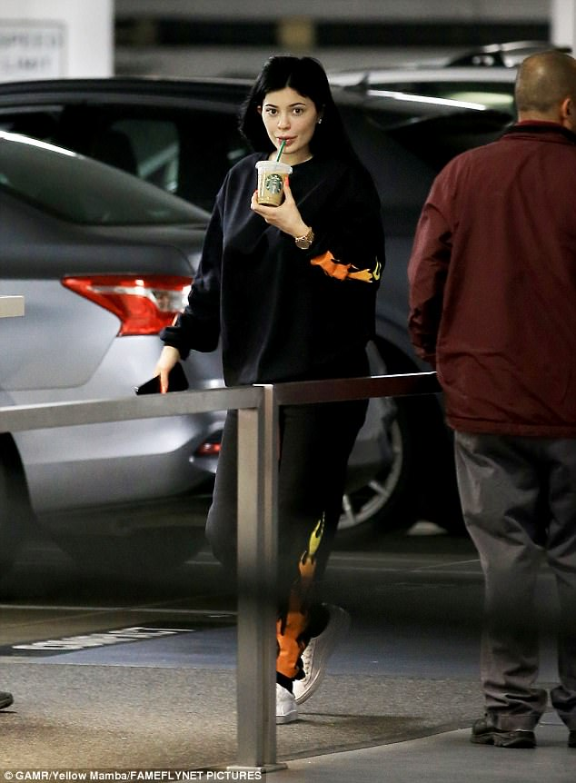 Makeup Free Kylie Jenner Seen Out And About