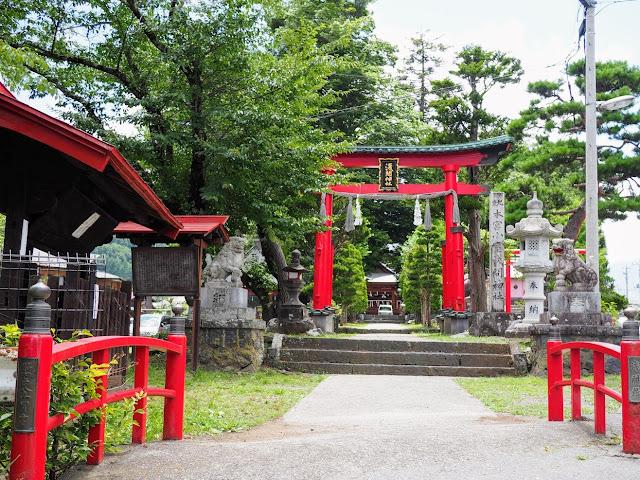 鐘山通り 小室浅間神社
