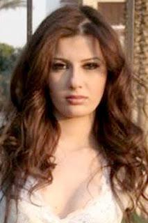 يارا نعوم (Yara Naoum)، عارضة أزياء مصرية
