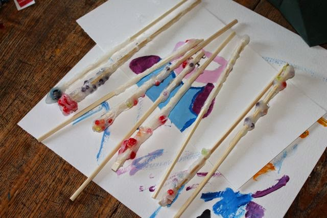 Homemade Harry Potter Wands via www.happybirthdayauthor.com