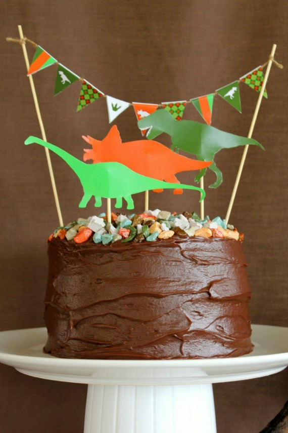 image of dinosaur birthday cake at kids birthday cake