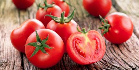 The Amazing Benefits of The Tomato Red