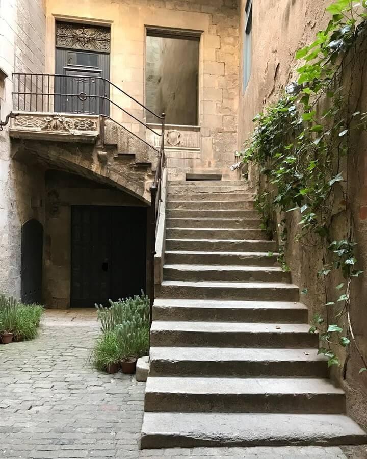 03-Girona-Spain-Mariam-Abbas-www-designstack-co