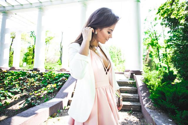 Stripes powder pink dress  - Czytaj więcej