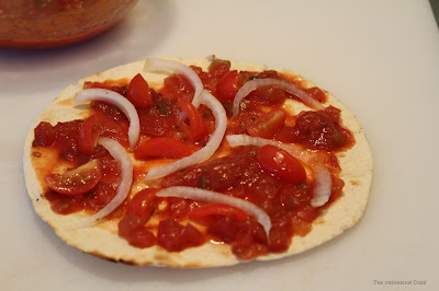 pizza, onion, tomatoes