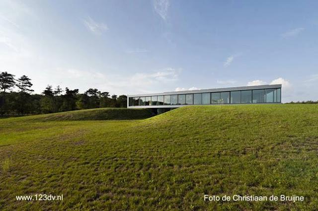 Casa residencial moderna contemporánea tipo Glass House en Holanda