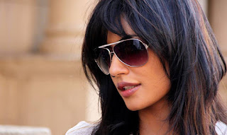 Chitrangada Singh son, husband, age, feet, hot movies, divorce, biography, upcoming movies, bikini, photos, songs, images, in saree, dresses, actress