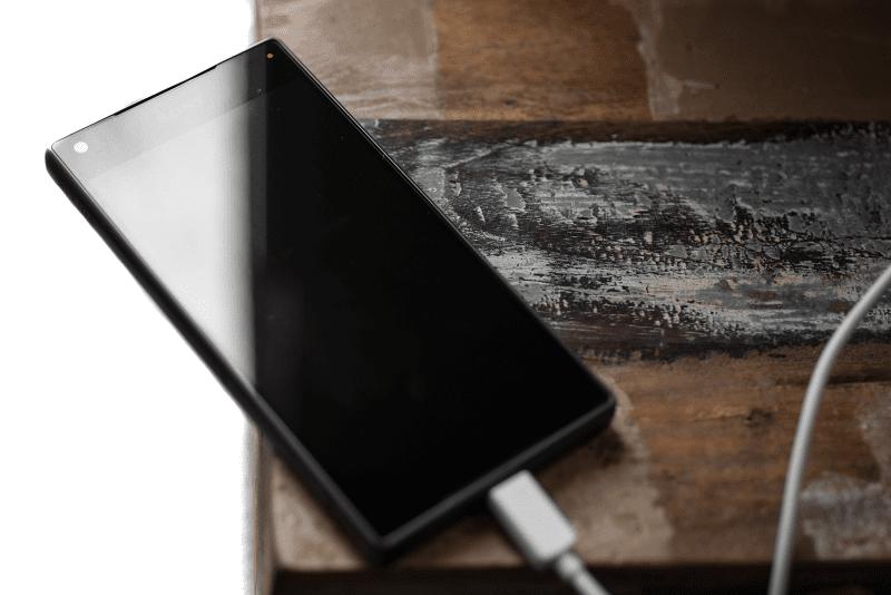 cara charging smartphone yang benar