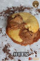 http://goulucieusement.blogspot.fr/2015/04/cookies-bi-gout-chocolat-noir-blanc.html