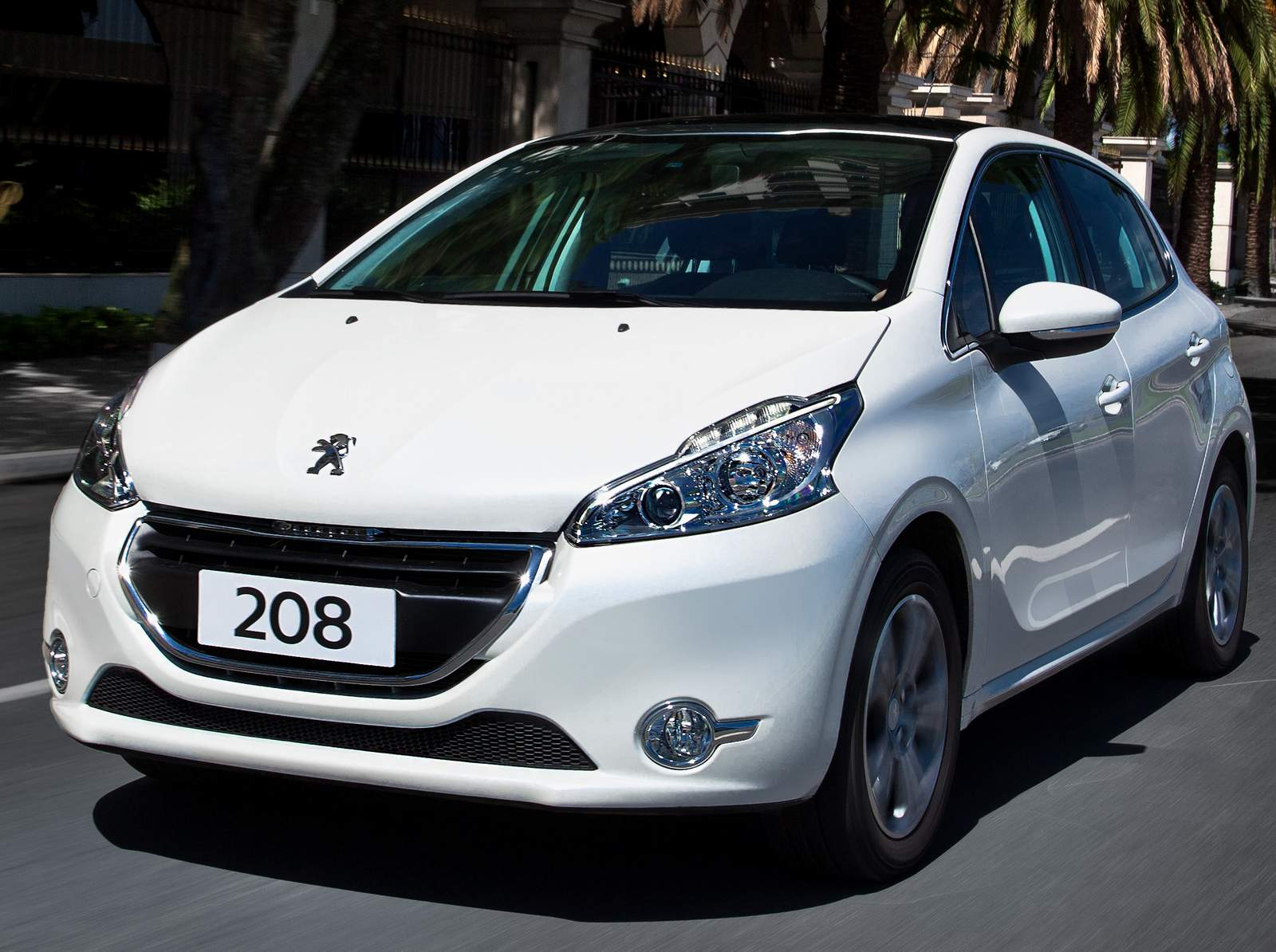 Peugeot 208 e 2008 Automáticos têm desconto em julho