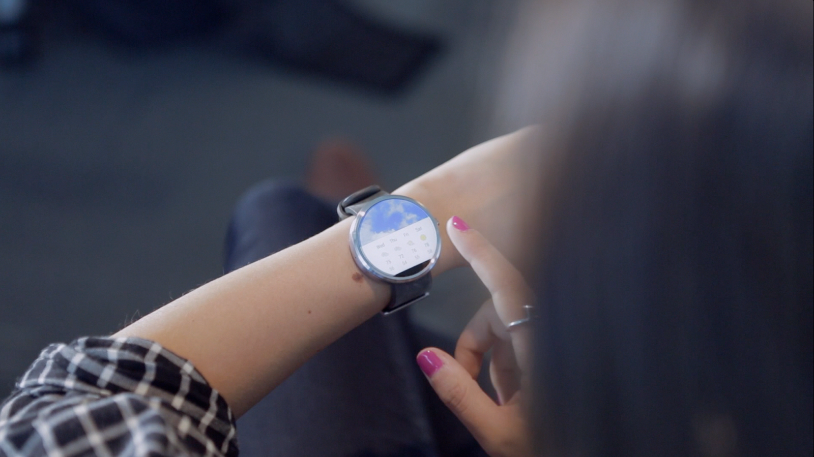 VIDEO: Sneak Peek at Moto 360 in Action