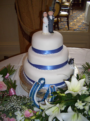 Design Wedding Cakes And Toppers 2012 Three Tier Wedding Cake With