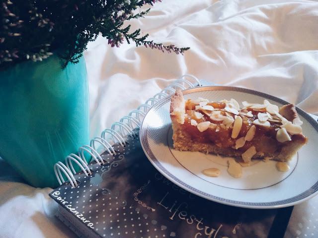 Ciasto gruszkowo migdałowe na kruchym spodzie