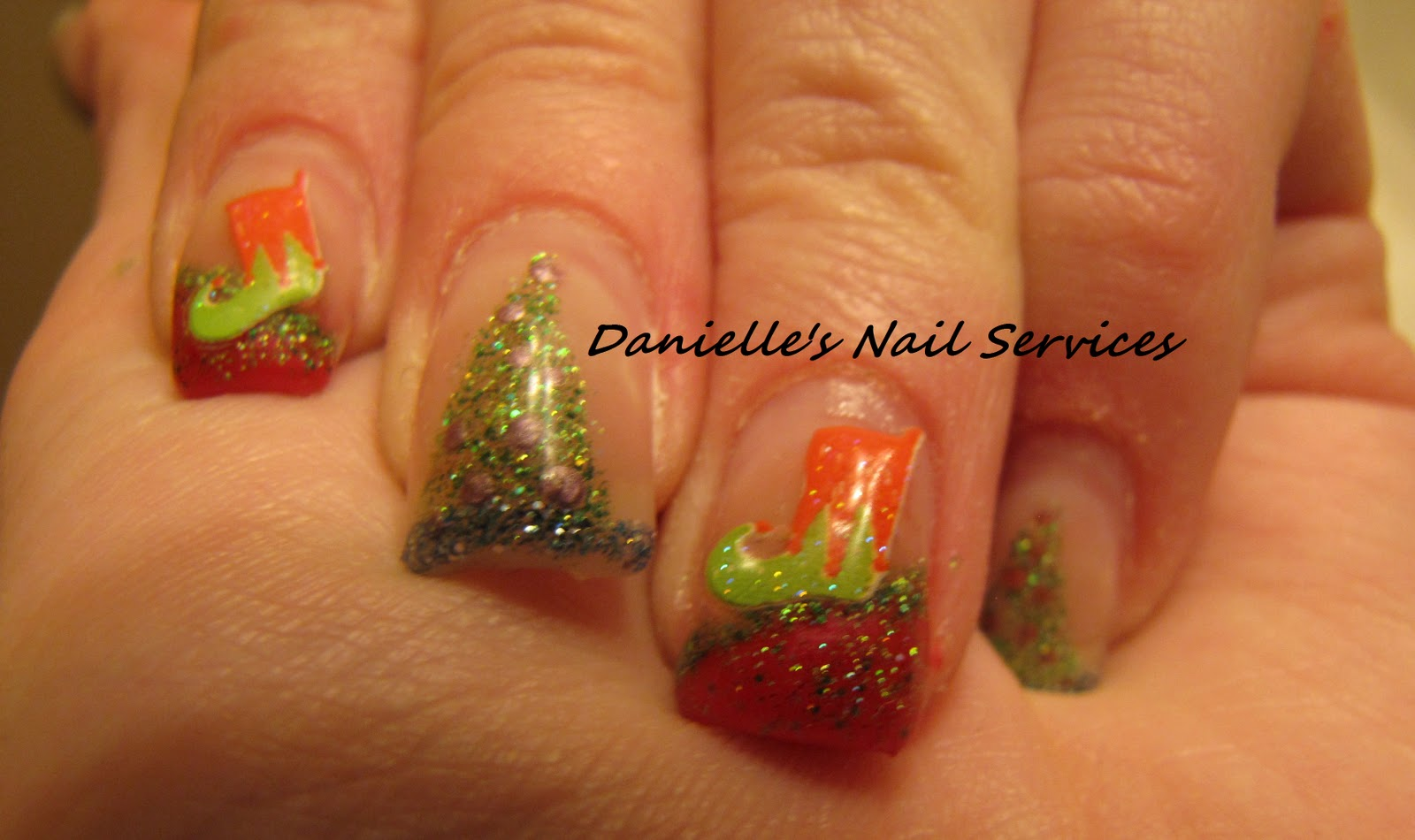 Danielle's Nail Services: New Christmas Nails!