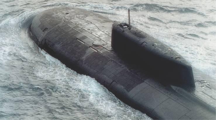 Kapal Selam Voronezh menyerang sekelompok kapal dengan satu rudal