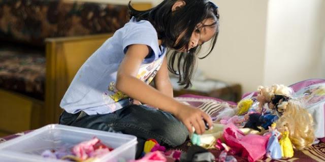 Anak yang Sering Main Barbie Tumbuh Tak Percaya Diri