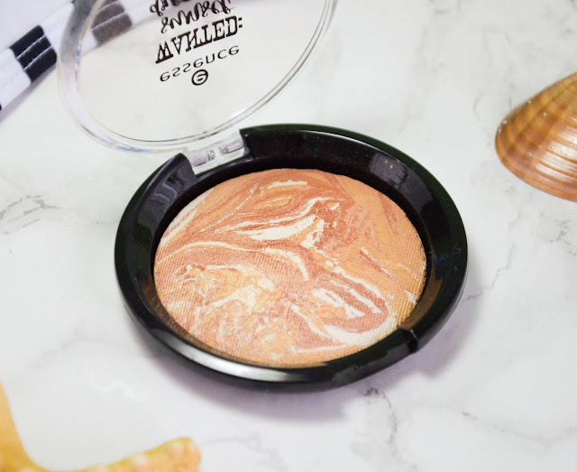 Essence Wanted: Sunset Dreamers TE Marble Highlighter 01 golden summer days
