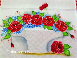pintura de rosas vermelhas para cesta de croche