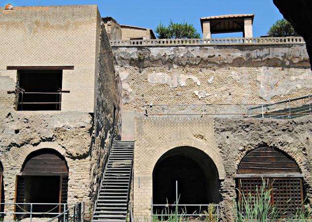 Pompei, Ercolano, visitarepomperi ed ercolano, pompeii, scavi archeologici, scavi di pompei, scavi di ercolano