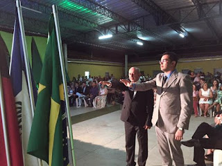 Prefeito Aílton Gomes de Medeiros toma posse em Nova Palmeira