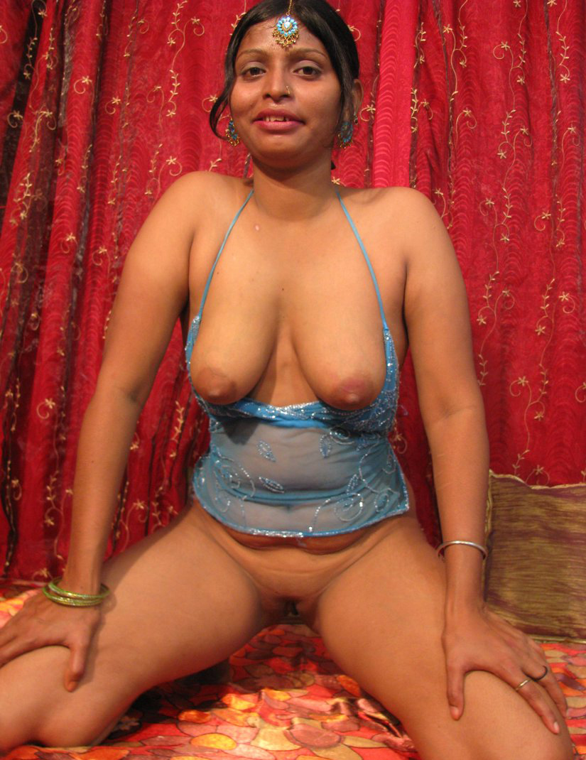 opan boobs mujra