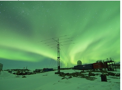 Rick potvins virtual circumnavigation of antarctica to decide if the sky is seen here at syowa lit up by the borealis publicscrutiny Images