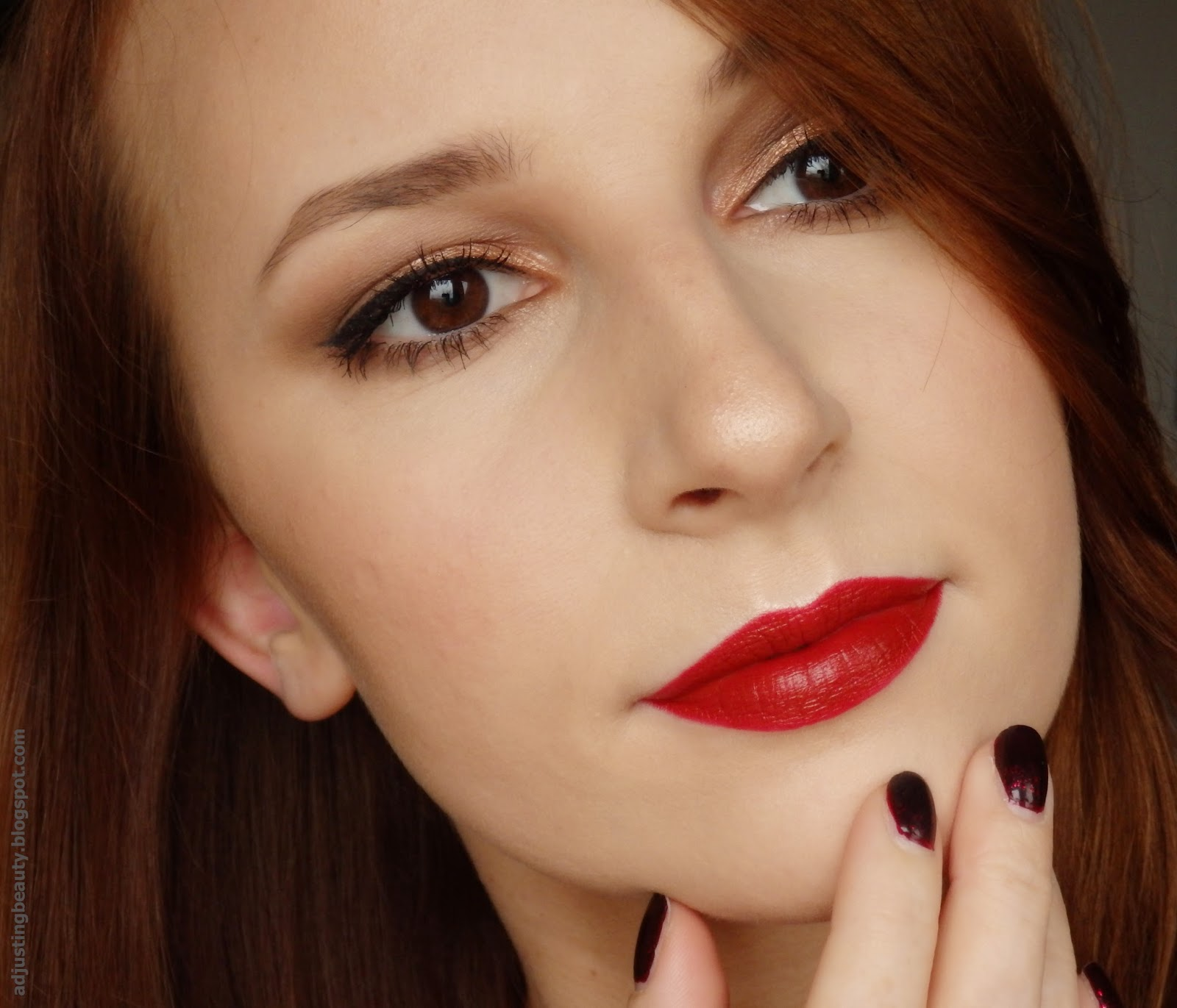 Dark red lips for fall - Adjusting Beauty