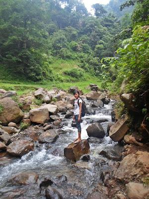 jalur air terjun madakaripura