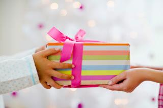 Bạn có thích được tặng quà 1