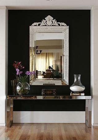 aparador com espelho veneziano