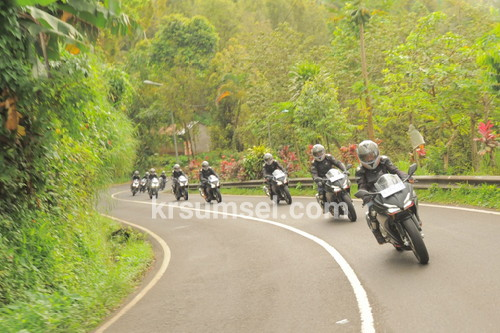 AHM Ajak Sekitar 2.800 Pecinta Motor Sport Ramaikan Gelaran Honda CBR250RR Premiere Touring