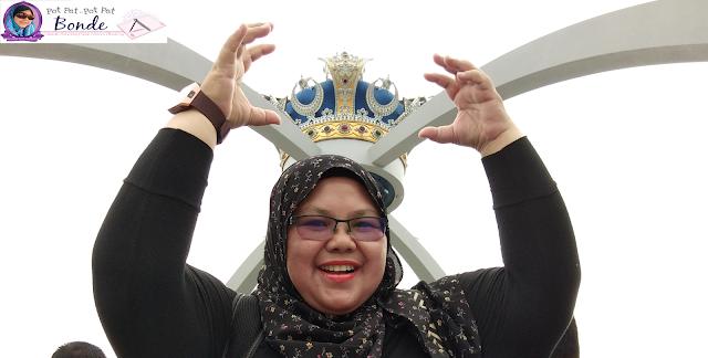 Istana Bukit Serene , Mahkota Johor,