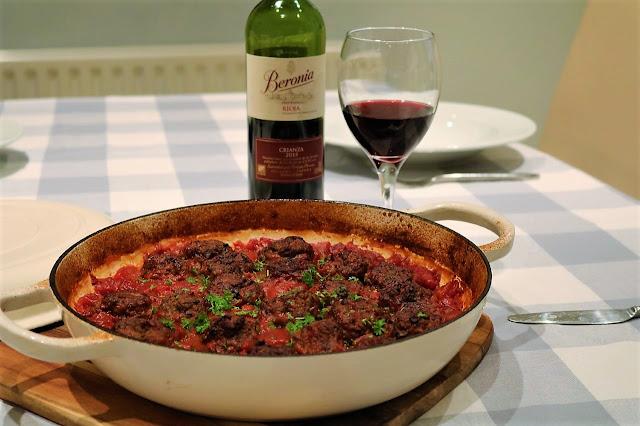 Meatballs with Rioja Sauce