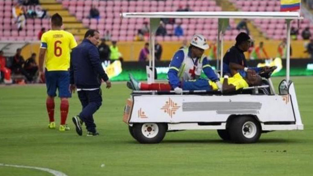 [Video] Striker Everton Ini Pura-pura Cedera Untuk Hindari Kejaran Polisi